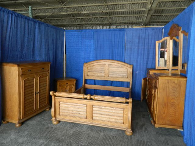 THOMASVILLE BEDROOM SET SOLID OAK KING OR QUEEN