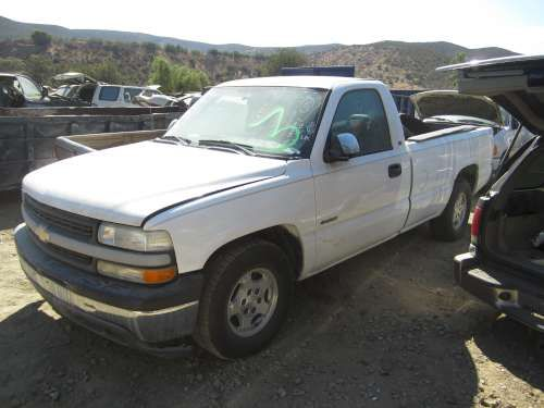 2002 Chevy 1500 for Parts