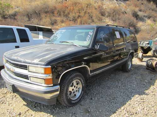 For Parts: 1997 Chevy Suburban