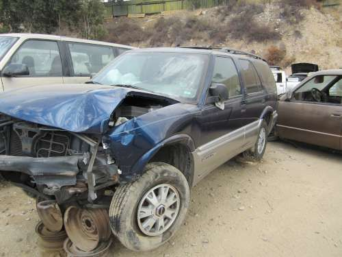 For Parts: 2000 GMC Jimmy