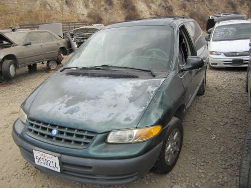 For Parts: 1996 Plymouth Voyager
