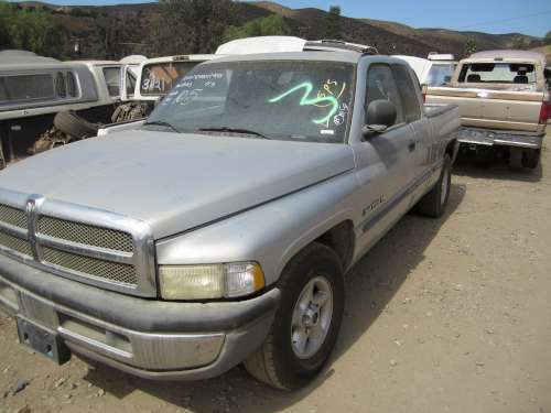 For Parts: 1999 Dodge Ram 1500