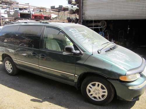 Dismantling: '98 Chrysler Town and country