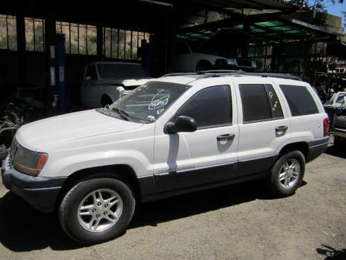 Parting Out: 2000 Jeep Grand cherkoee