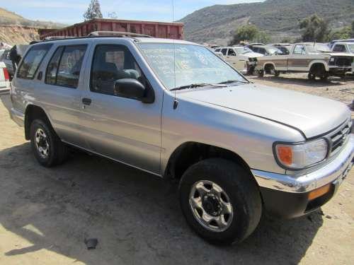 For Parts: '98 Nissan Pathfinder
