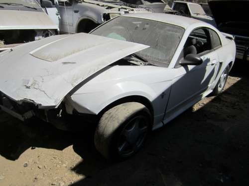 For Parts: '03 Ford Mustang