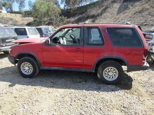 For Parts: 1998 Ford Explorer