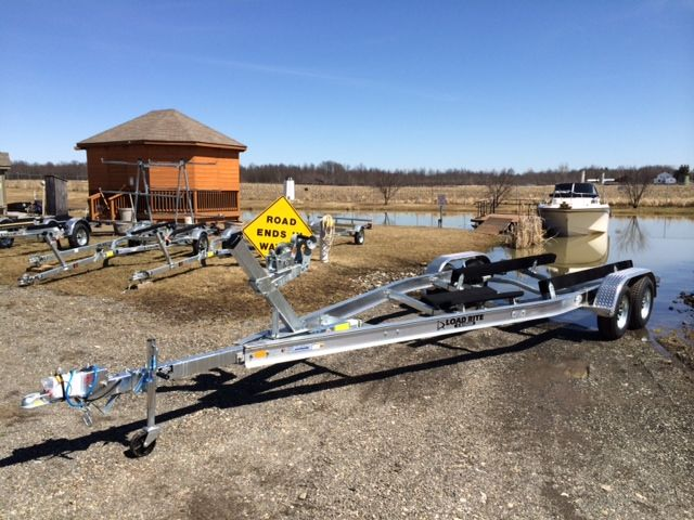 2014 Load Rite 22-25 ft boat trailer