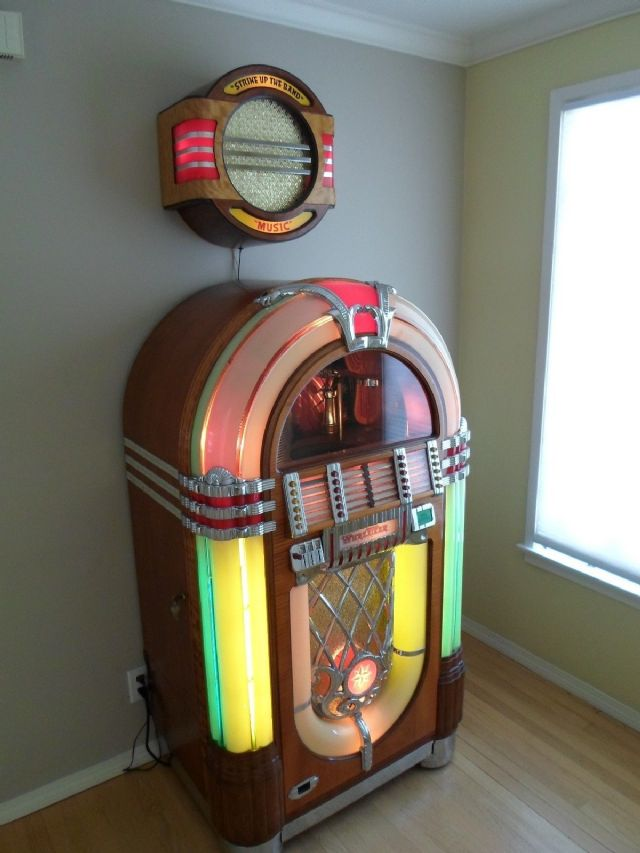 original 1947 wurlitzer bubbler 1015 jukebox cleveland. Black Bedroom Furniture Sets. Home Design Ideas
