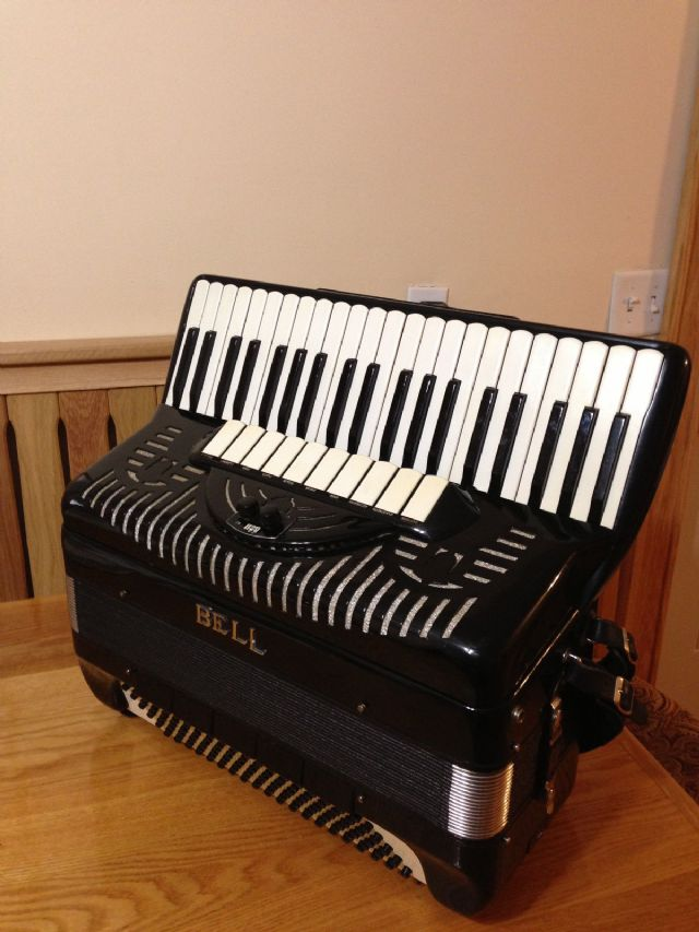 Amazon.com: accordions for sale: Musical Instruments