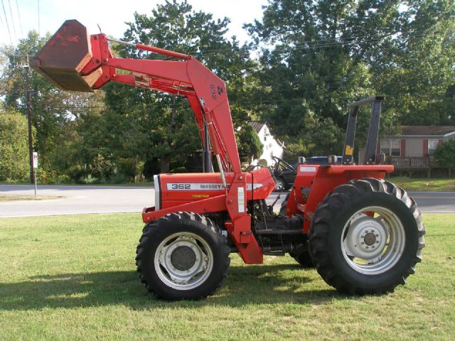 Tractor Loader Boom Middle Steeering : Massey ferguson loader tractor staggering little