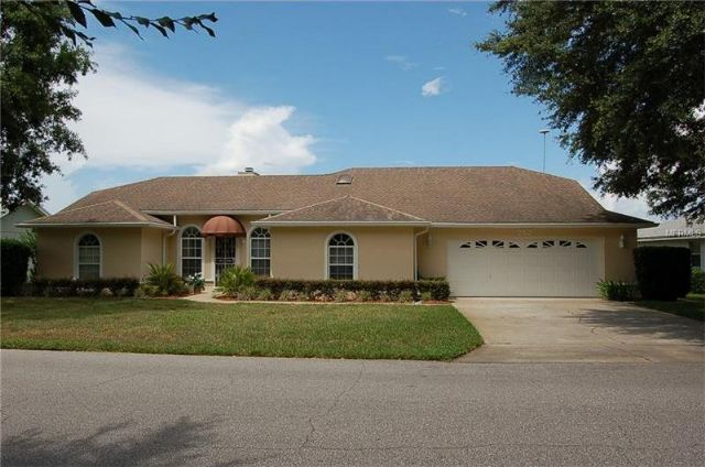 Winter Haven, FL - 3BR/2BA True Lakefront Home