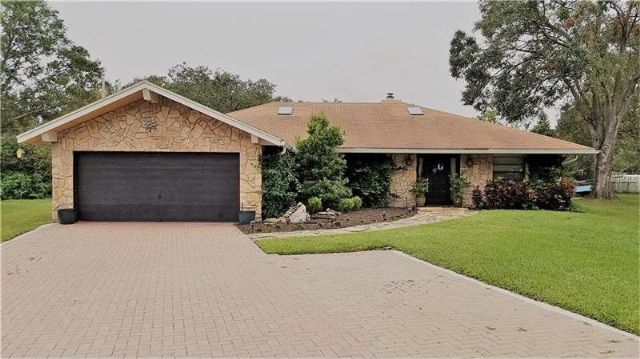 Lakeland, FL - 3BR/2BA Pool Home with Fireplace