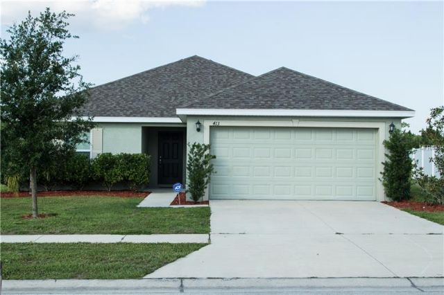 3BR/2BA Central Florida Home is Only 4 Years Old !