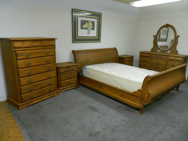 Oak Wood Interiors Bedroom Set (Solid Oak)