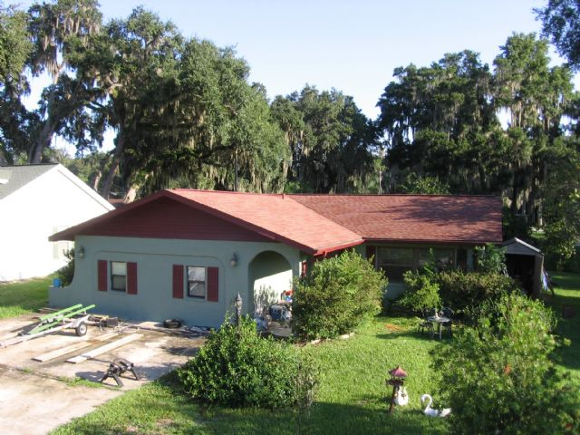 """SOLD""   Florida home for 145K on Lake canal !"
