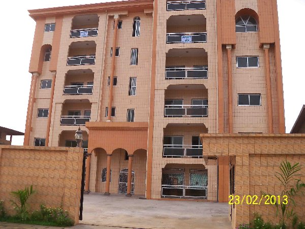 Gohotelafrica douala for Appartement meuble a louer a douala cameroun