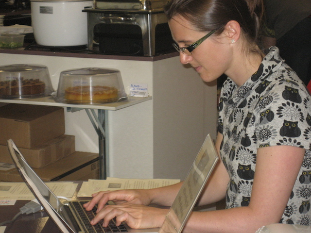 Sarah resists the cake and focuses on writing