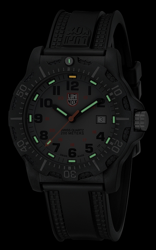 Luminox Black Ops A.8802 2