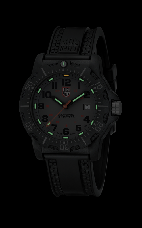 Luminox Black Ops 8802 3