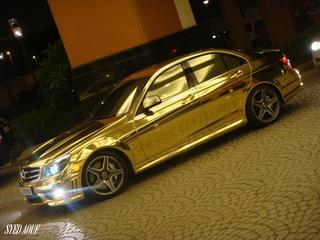 Gold-mercedes-03