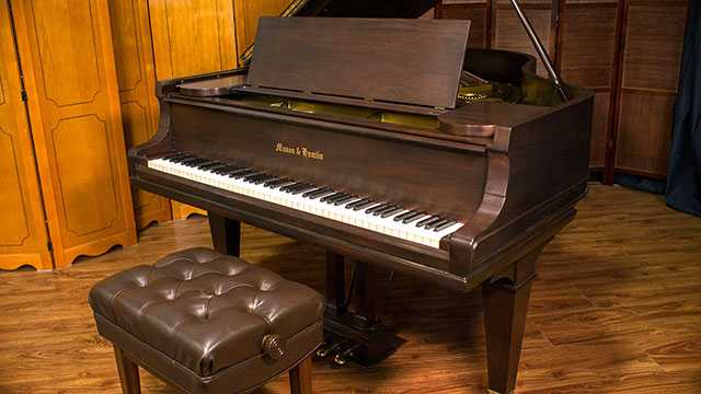 Upright pianos vs grand pianos what is better for What size is a baby grand piano