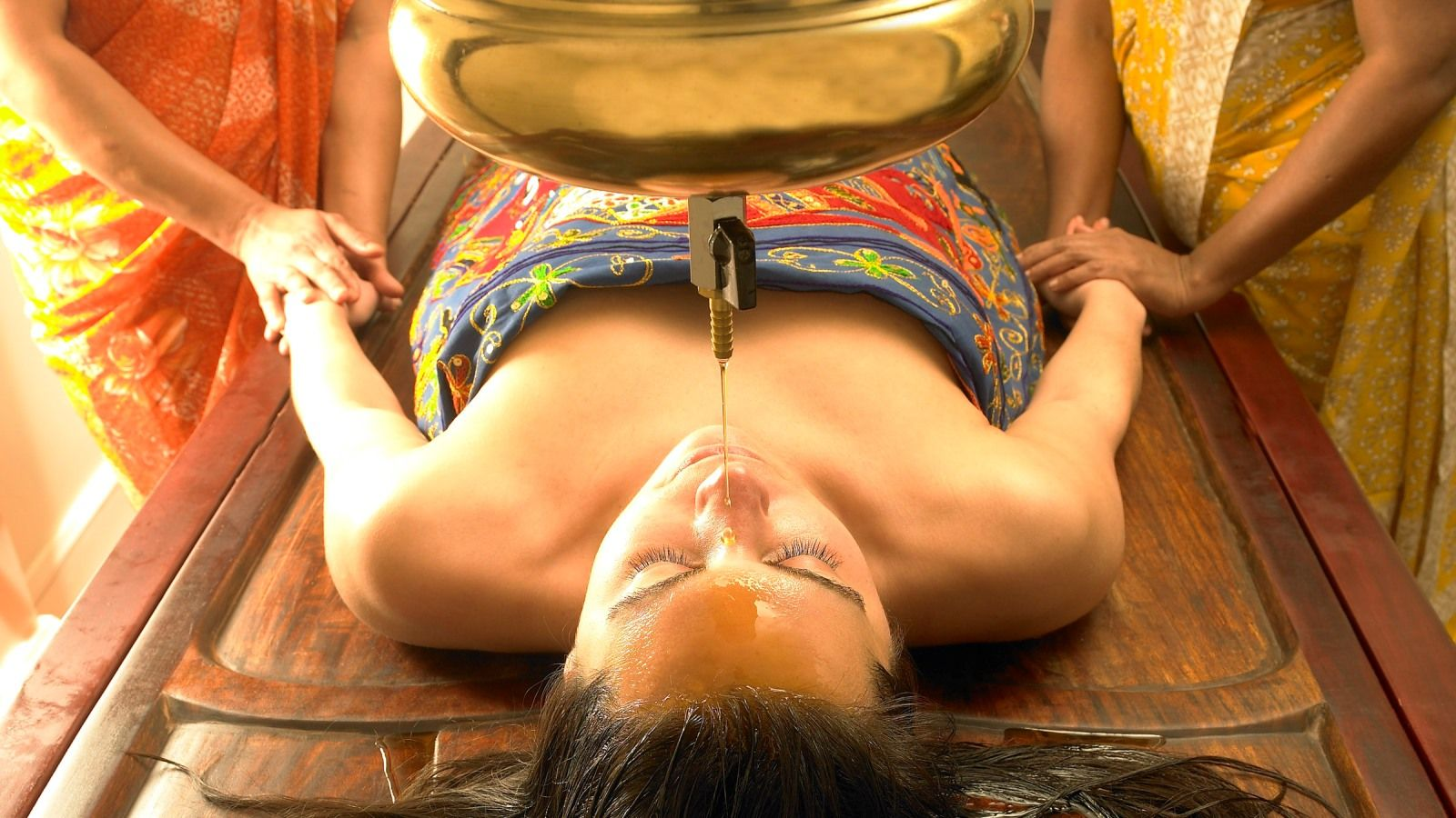 Ayurveda shirodhara treatment