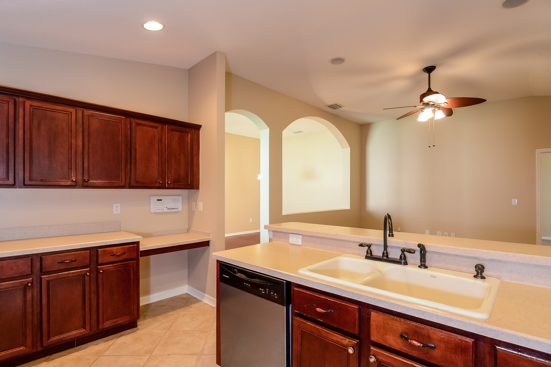 Photo of 6121 Gannetdale Drive, Lithia, FL 3547