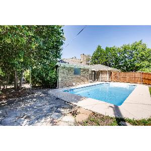 Home for rent in Dallas, TX