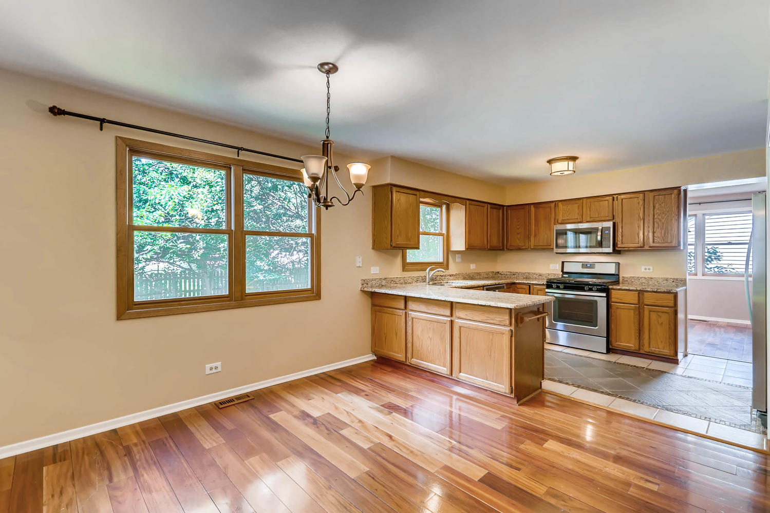 Photo of 2133 Cherrywood Circle, Naperville, IL, 60565
