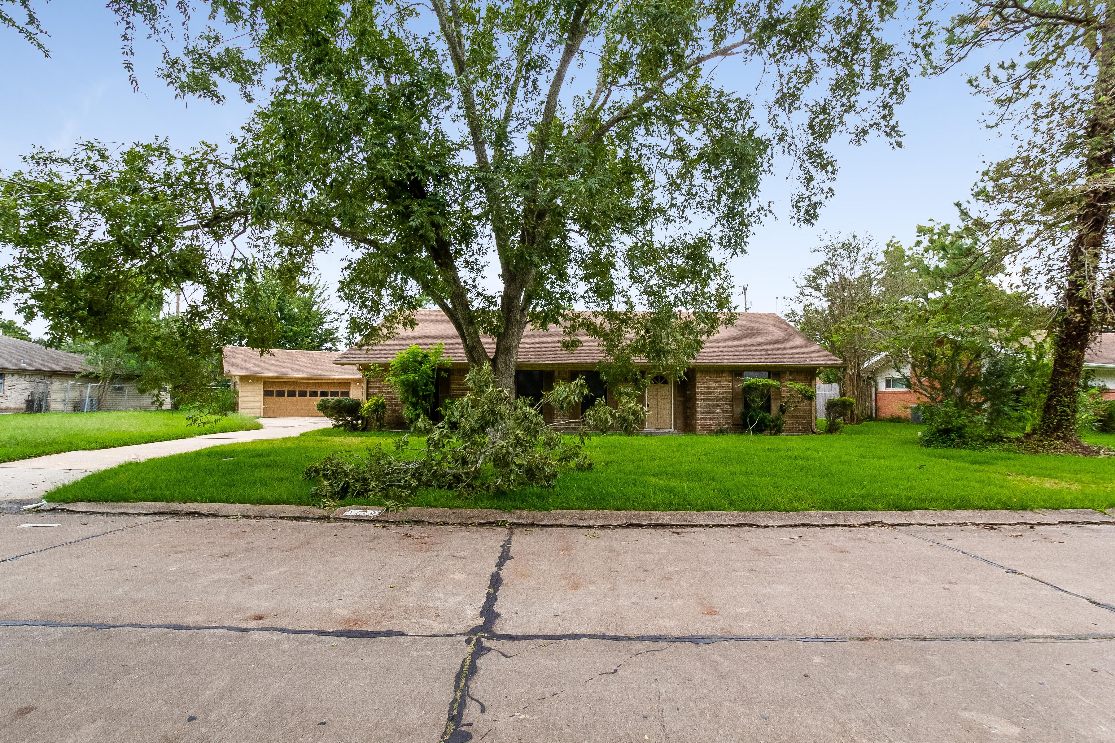 Photo of 1728 Glenview Drive, Alvin, TX, 77511