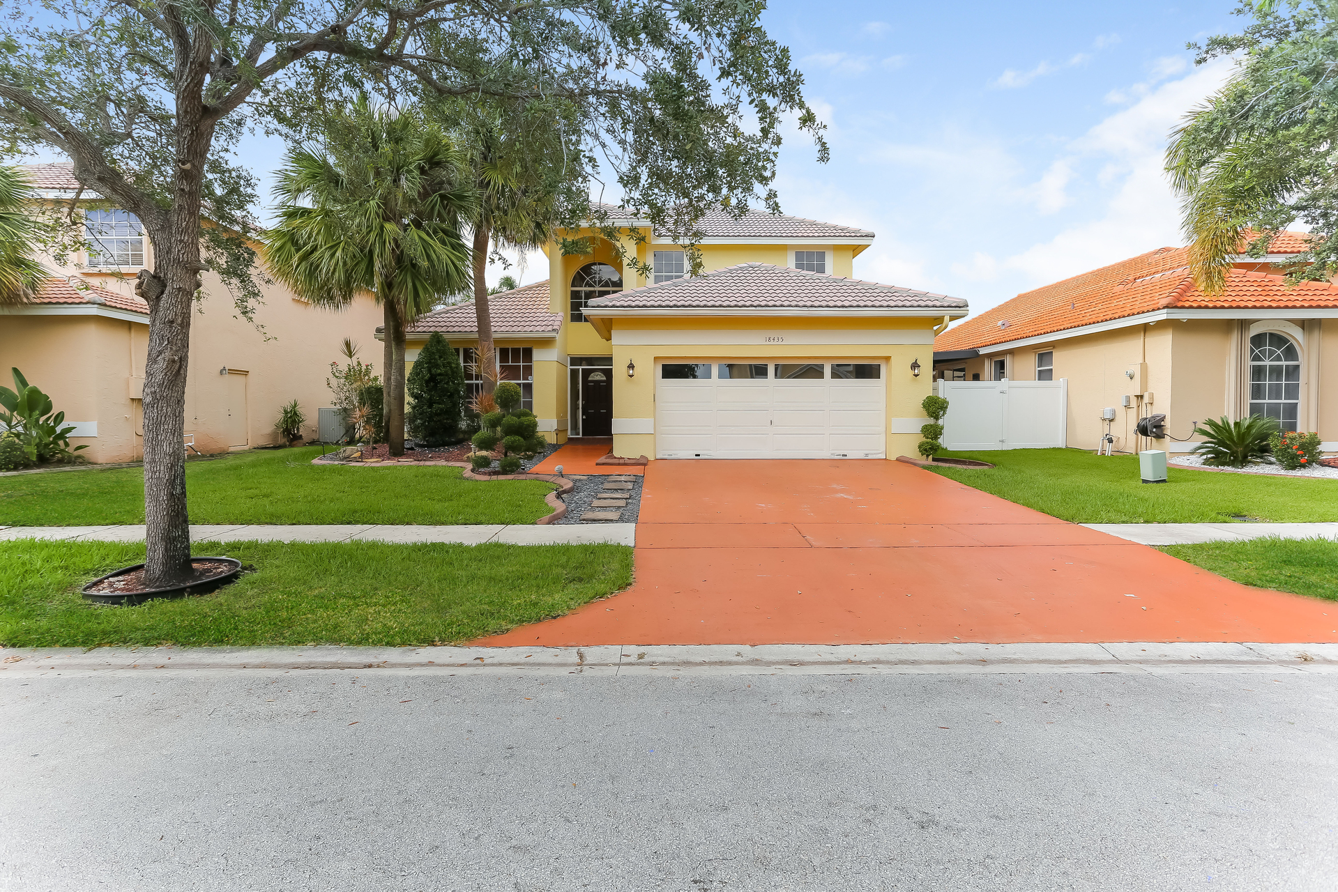 Photo of 18435 NW 12th St, Pembroke Pines, FL, 33029