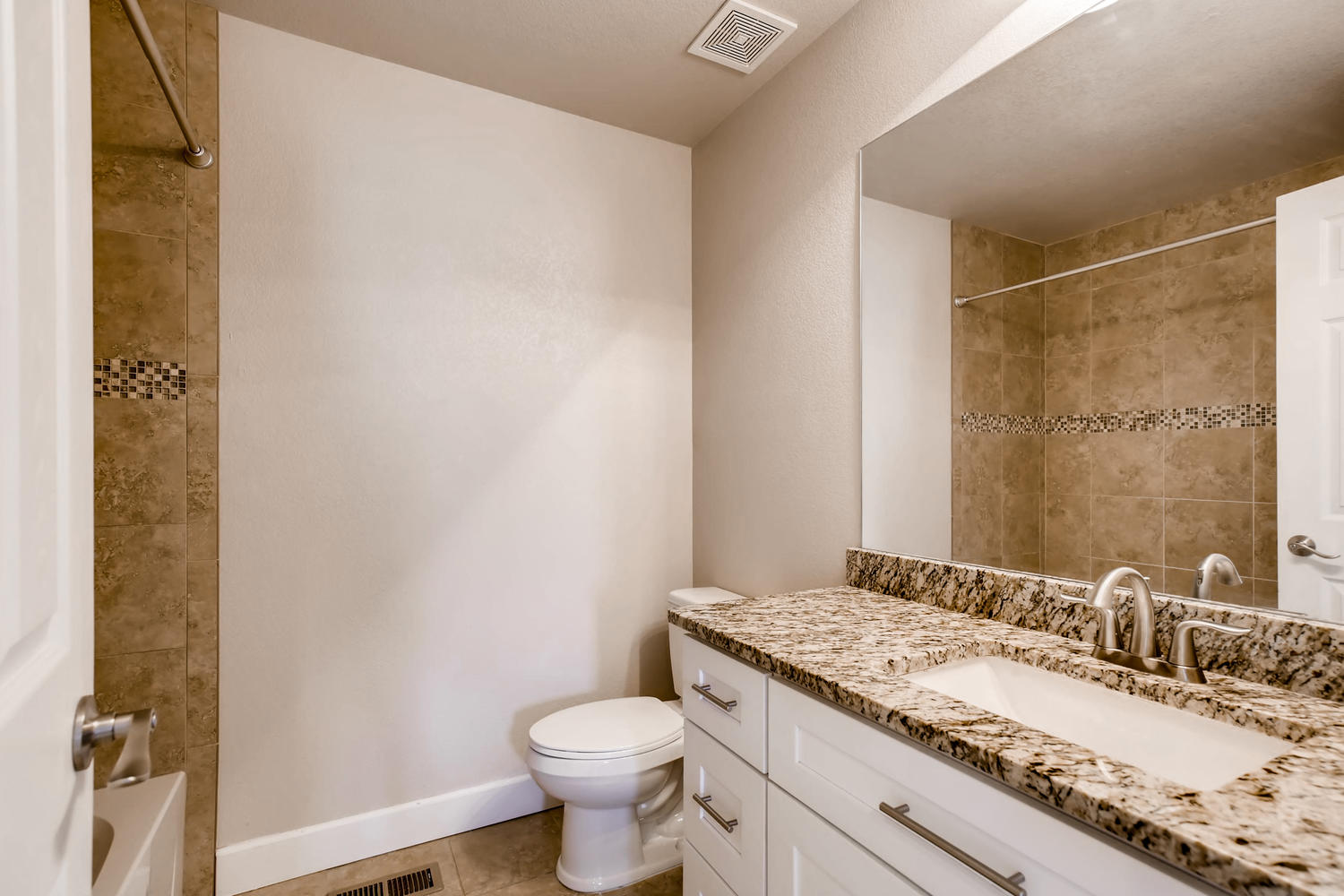 Photo of 9805 W Hinsdale Place , Littleton , CO , 80128