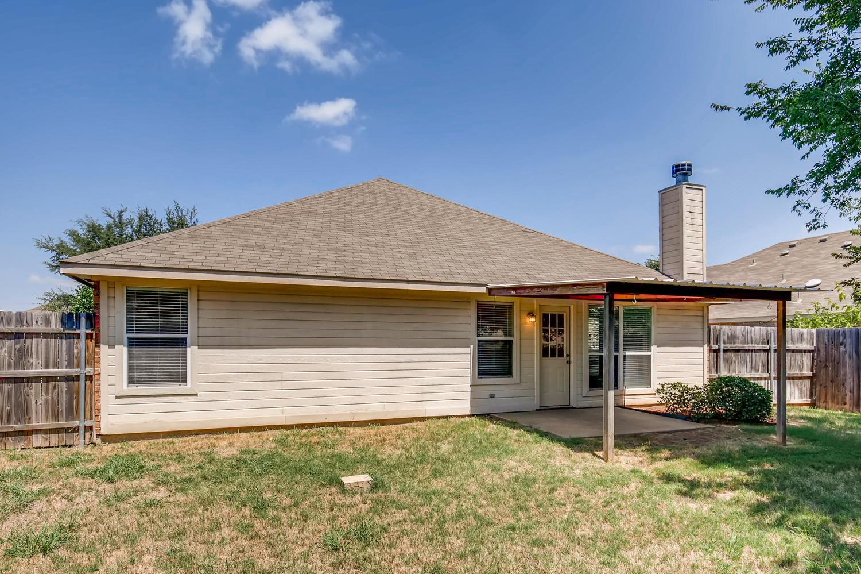 Photo of 126 Post Oak Dr, Waxahachie, TX, 75165