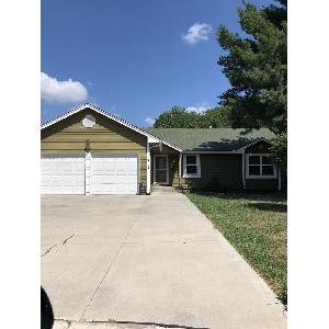 Home for rent in Blue Springs, MO