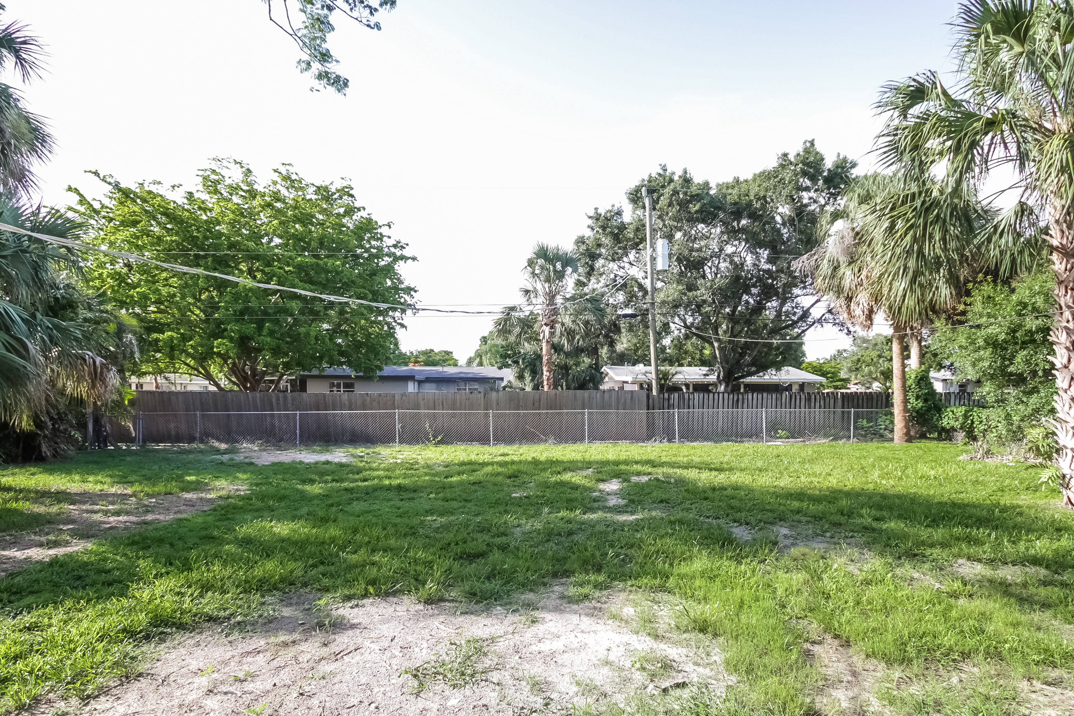 Photo of 1357 Burtwood Dr, Fort Myers, FL, 33901