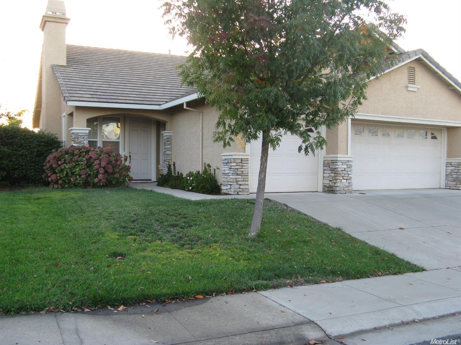 Photo of 1690 El Camino Verde Dr, Lincoln, CA, 95648