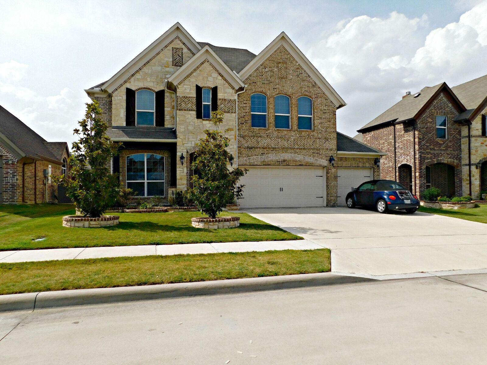 Photo of 2433 Valley Glen Drive, Little Elm, TX, 75068