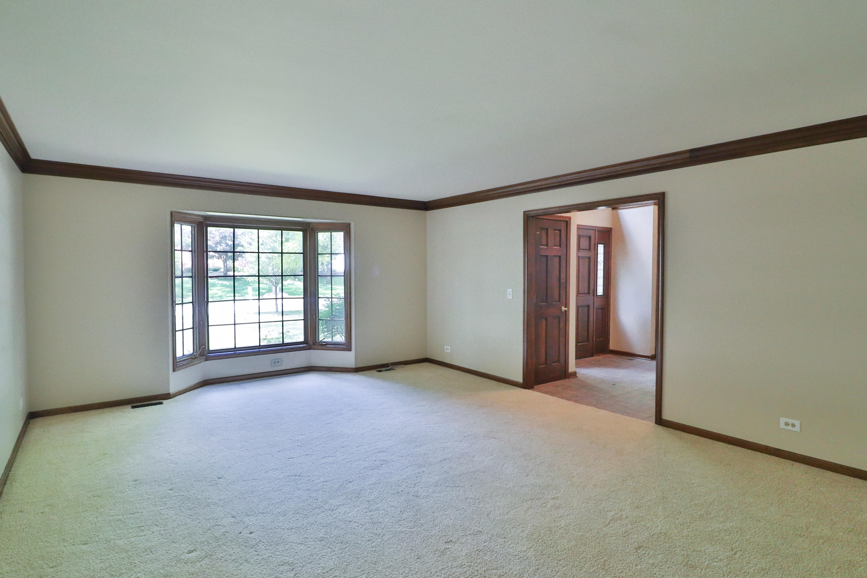 Photo of 3301 Royal Fox Drive, St. Charles, IL, 60174