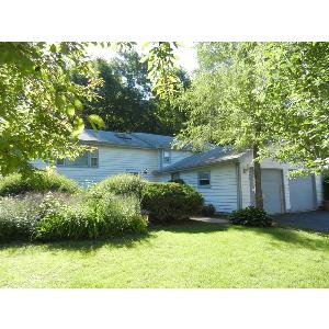Home for rent in Lakemoor, IL