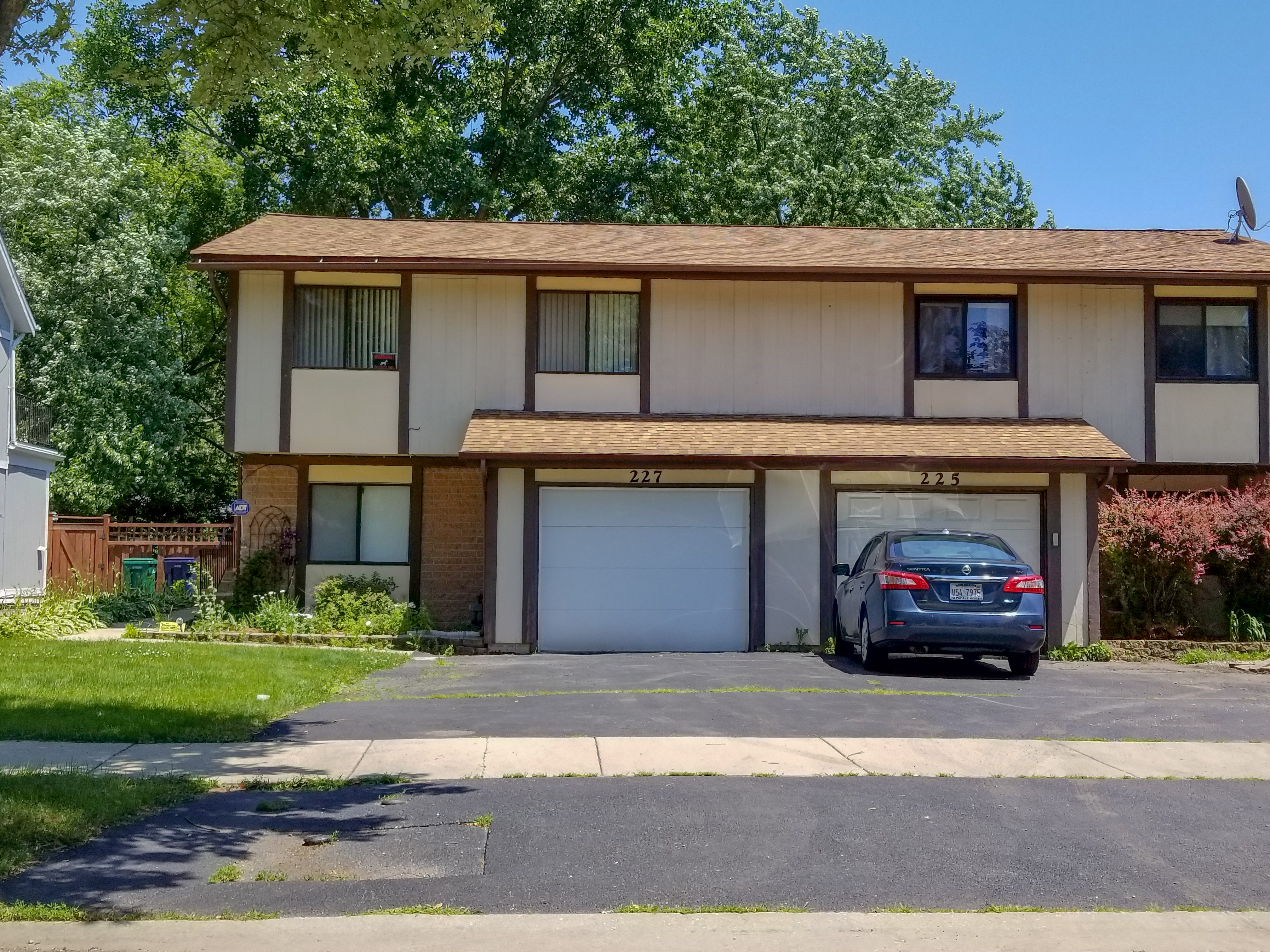 Photo of 227 Troy Ln, Lombard, IL, 60148