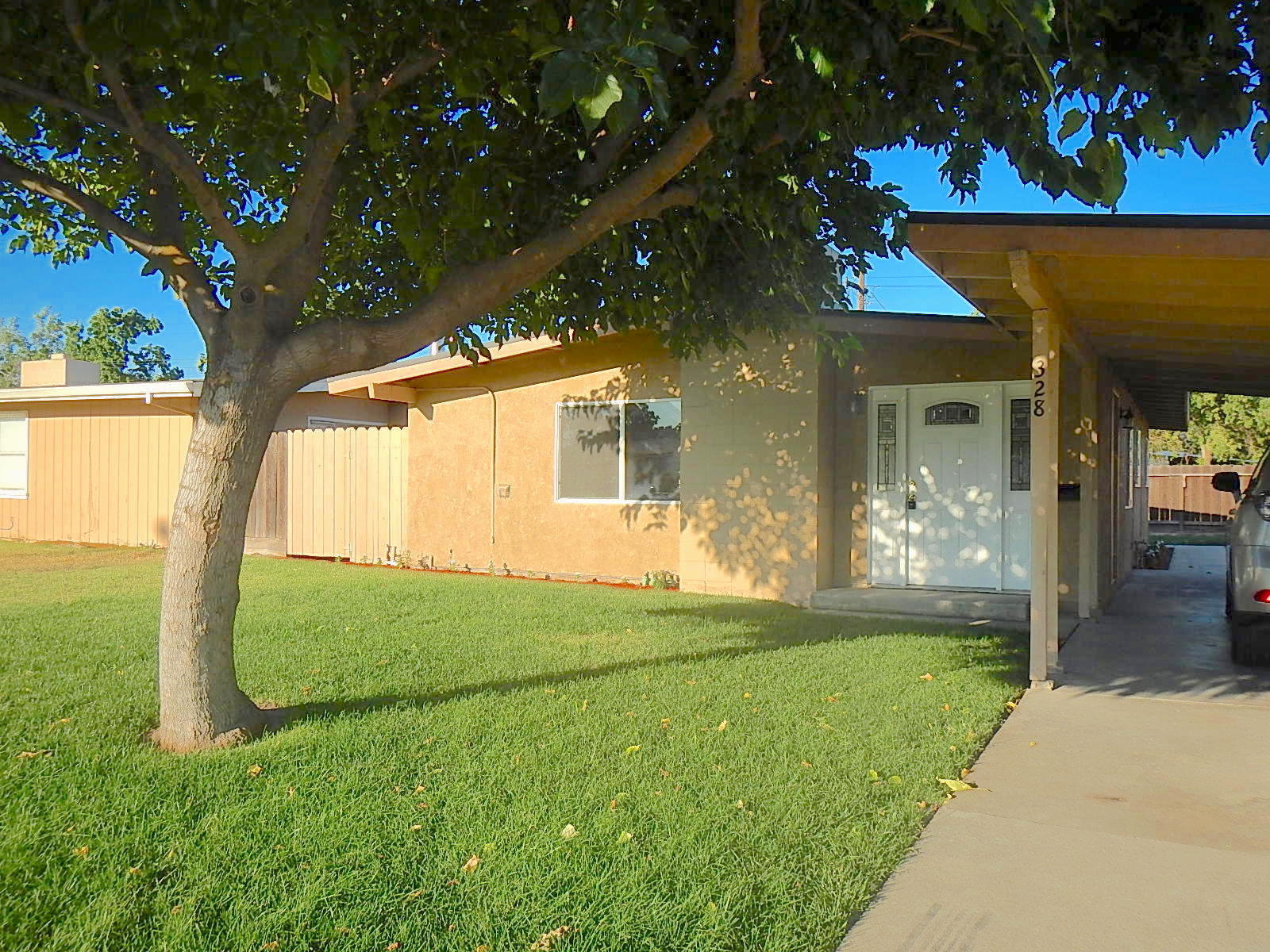 Photo of 328 S Powers Ave, Manteca, CA, 95336