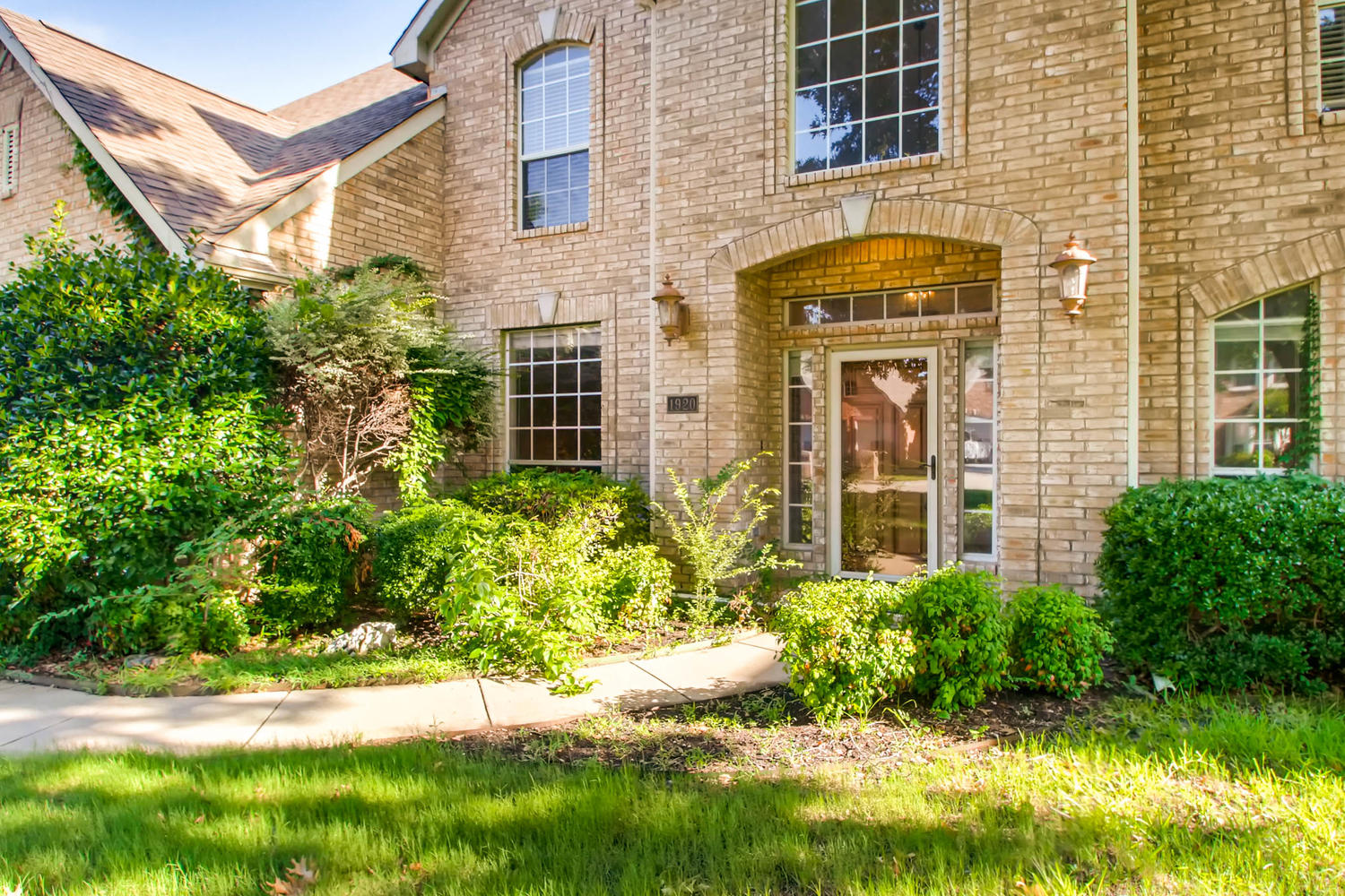 Photo of 1920 Fair Field Drive, Grapevine, TX 76051