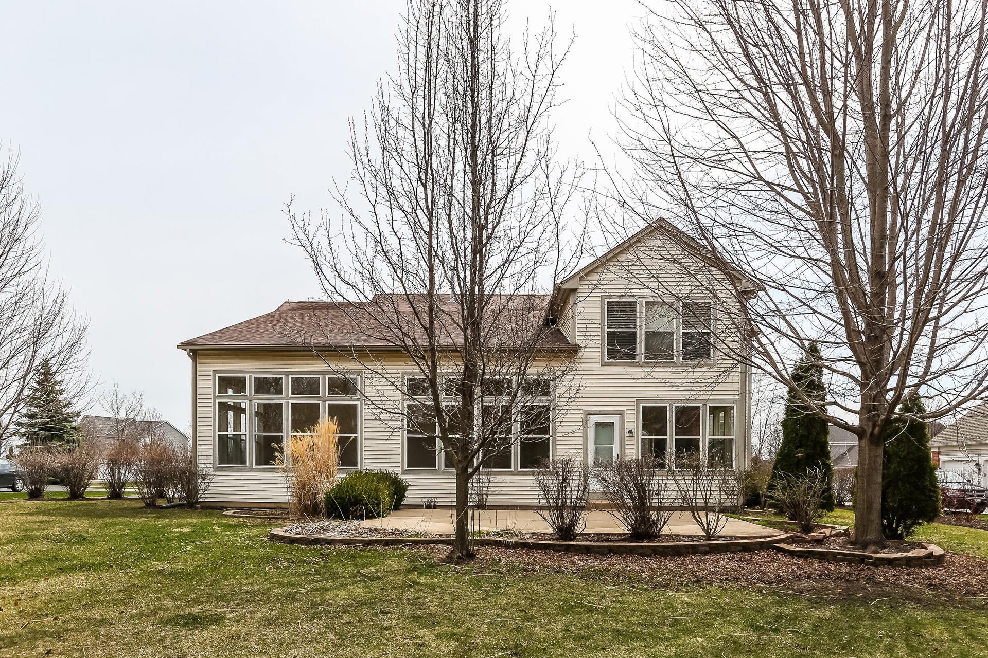 Photo of 530 Saratoga Cir, Algonquin, IL, 60102