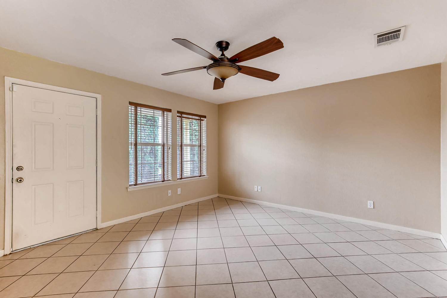 Photo of 2311 S Crossing Dr, Round Rock, TX, 78664