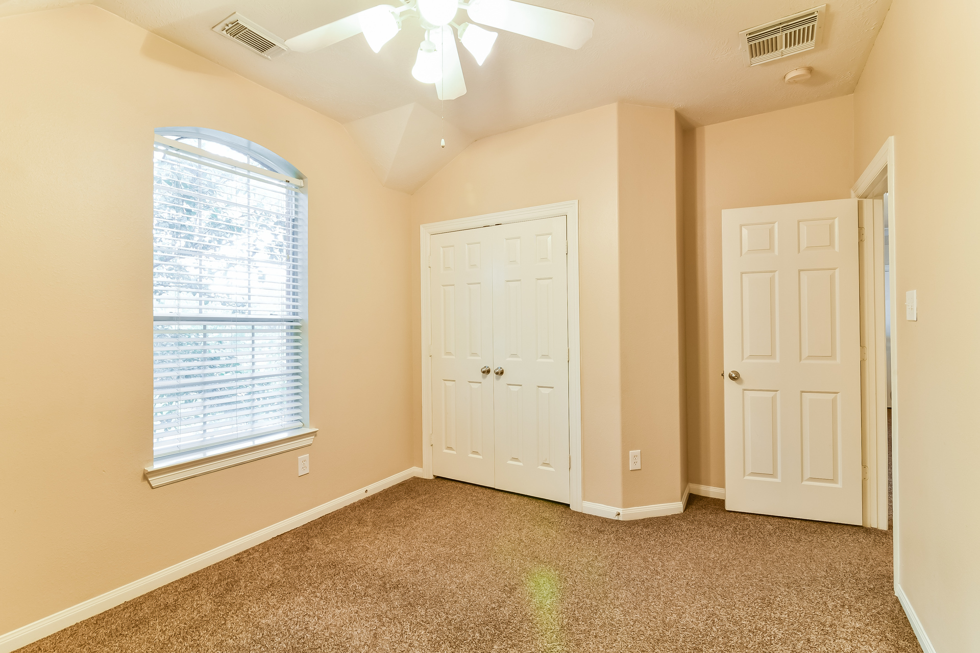 Photo of 12727 Robins Crest Drive, Tomball,  Tx 77377