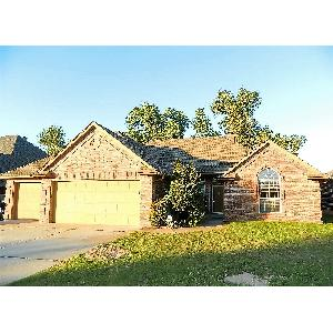 Home for rent in Mustang, OK