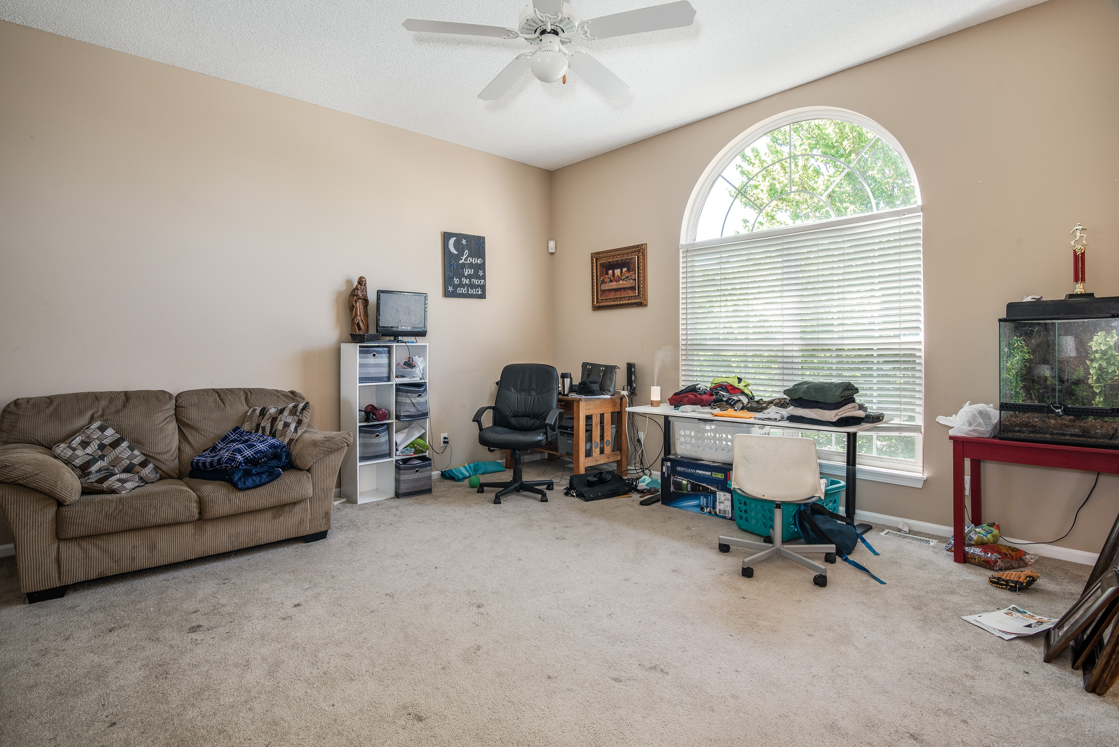 Photo of 906 Cottonwood Dr, Lansing, KS, 66043