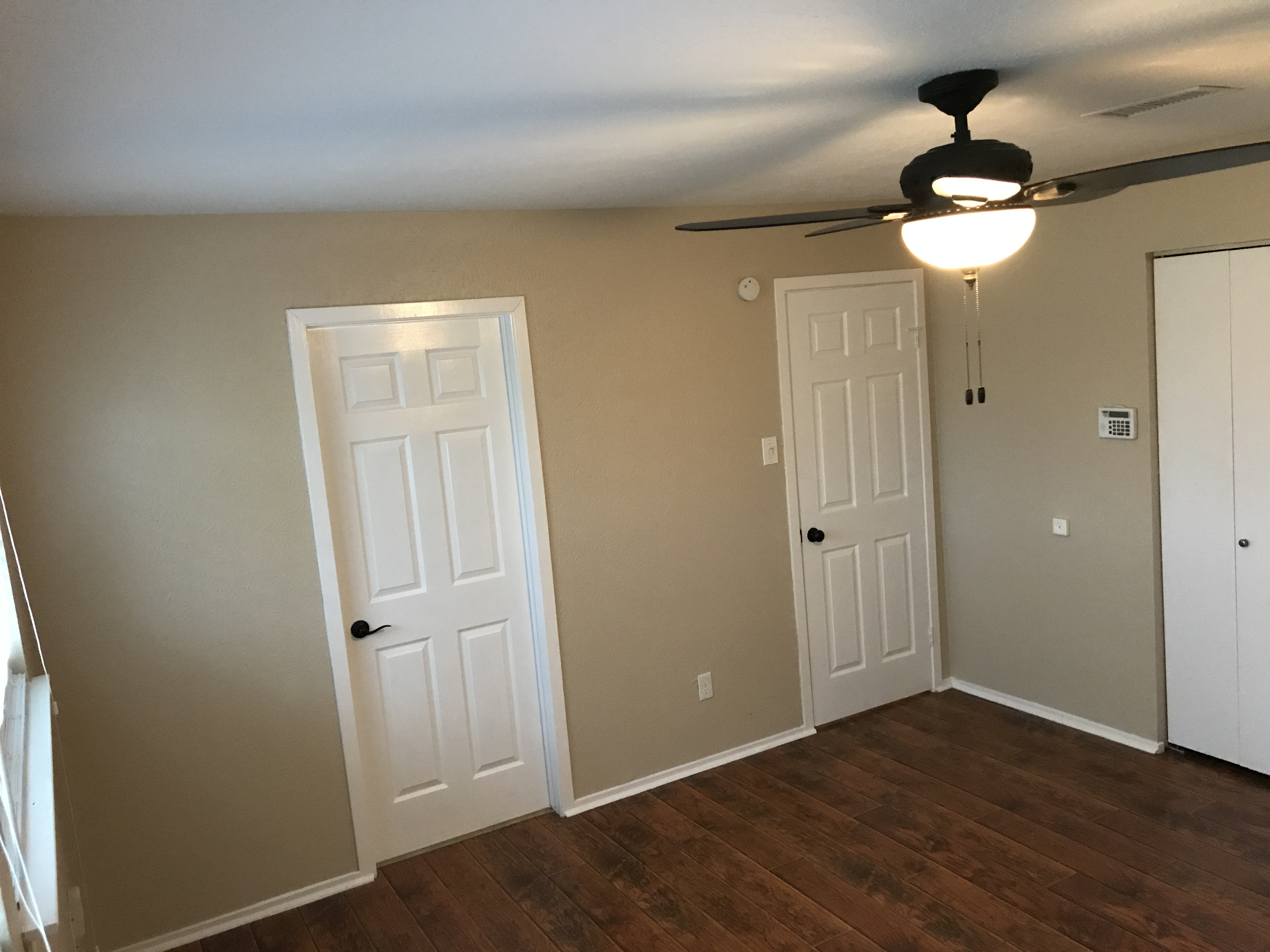 Photo of 524 Gleneagles Drive, Friendswood, TX 77546