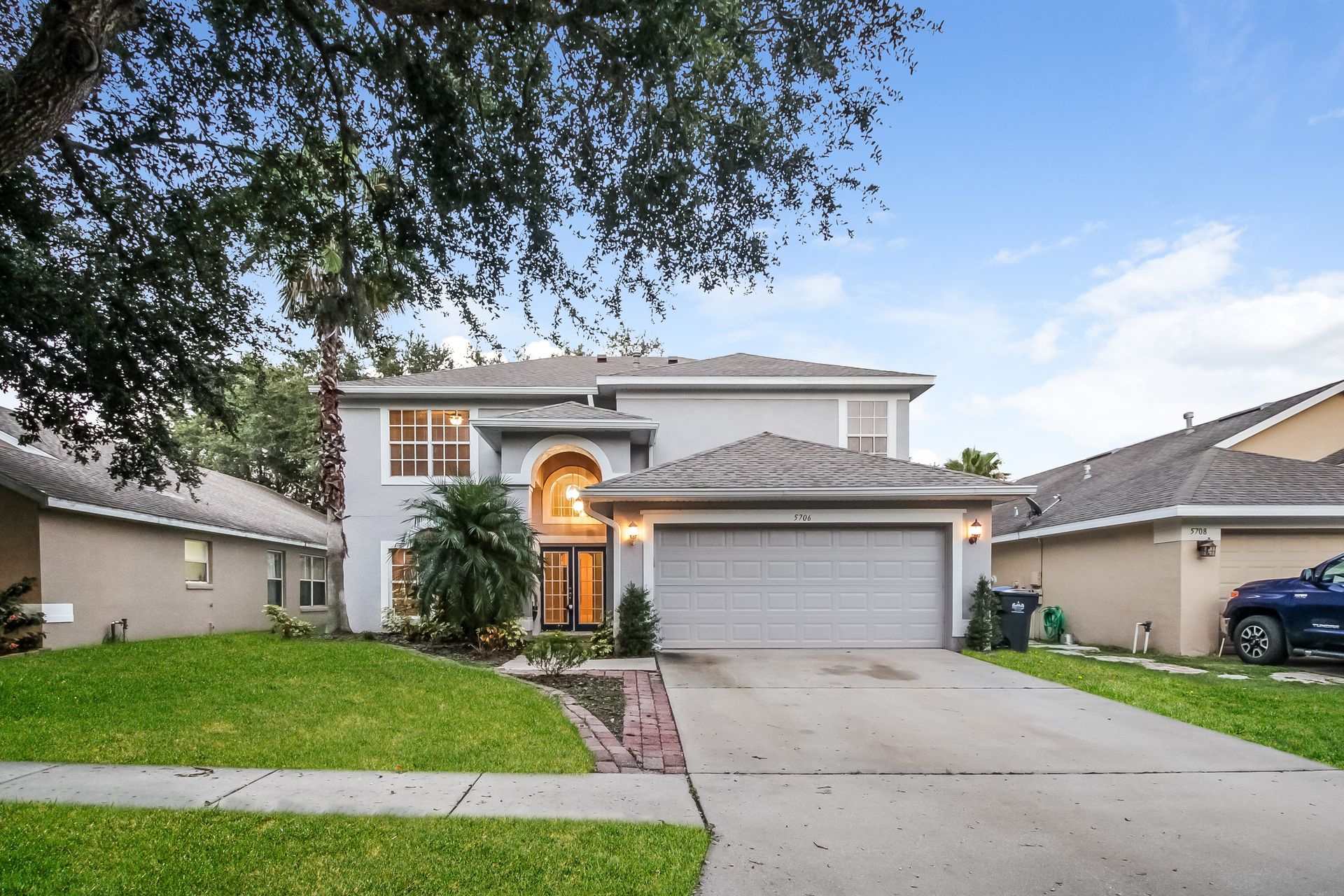 Photo of 5706 Hawkgrove Place , Lithia , FL , 33547